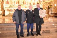 Wieslaw-Czarnota-sierzant-Tadeusz-Ogonowski-i-Jacek-Kusiński-z-ryngrafem-2